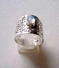 Ring mit Regenbogen Mondstein, 925er Silber, Grösse 17,8