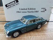 Danbury Mint 1964 Aston Martin DB5 Aegean Blue 1/24 Limited Edition #308 of 5000