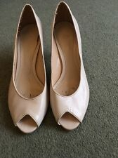 JRW CREAM SHOES SIZE 40