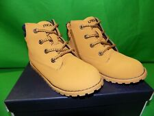 Nautica Boys Plot Casual Lace Up Ankle Boot Shoes Color is wheat Sz 13 New