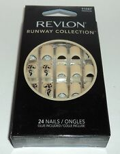 REVLON Runway Collection Nail Kit MEDIUM Length 24 Nails 91087 Medium NIB