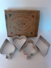 VINTAGE 1940's BOXED SET OF MAKE YOUR ACE (PLAYING CARD DESIGN) BISCUIT CUTTERS