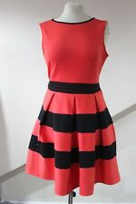 Tamaño 8 vestido rojo con detalle negro de Dorothy Perkins Nuevo