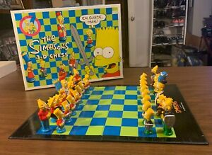 Vintage The Simpsons 3-D Chess Set Board Game (1991) - with all pieces and box