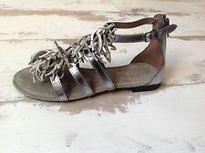 P35 - Chaussures Nu Pieds fille Neuves Reqins -  Modèle Azalée Gris (89.00 €)