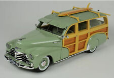 1:43 Goldvarg Collection 1948 Chevrolet Fleetmaster Woodie green with surfboard