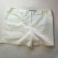 Worthington Womans Shorts Size 14 White Modern Fit NWT