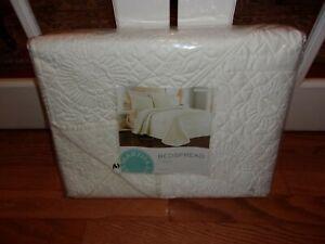 New Martha Stewart Flowering Trellis Ivory Floor Length Twin Bedspread