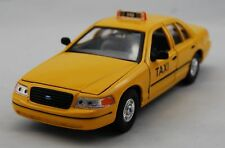WELLY 1999 FORD CROWN VICTORIA TAXI YELLOW CAB 1:24 DIE CAST METAL MODEL NEW