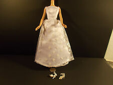 BARBIE WHITE WEDDING GOWN & HIGH HEEL B3016