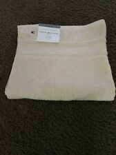 "NWT TOMMY HILFIGER SIGNATURE 30"" X 54"" BATH TOWEL SEEDPEARL OFF WHITE"