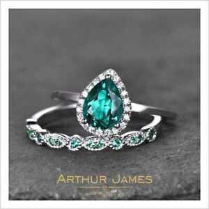 Green Emerald 1.5 Ct Pear Cut Diamond Vintage Women Bridal White Gold Ring Set