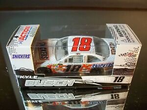 Kyle Busch #18 Snickers 2009 Toyota Camry COT 1:64 M.A.