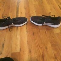 Nike flex tr 8 men's black and white shoes size 8.5