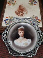 Antique Portrait Tile H.M QUEEN MARY RUSSEL&SONS SIGNED in metal case