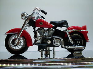 Harley Davidson Modell, 1958 FLH Duo Glide (33) Maisto Motorrad Modell 1:18