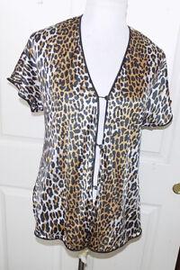 Vintage Vanity Fair Leopard Print Nylon Antron Size 34 PJ Top Pajama Lounge