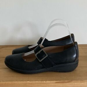Clarks shoes size 5.5 E wide black leather buckle Active Air Mary Jane