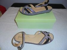 Kumfs Flat (0 to 1/2 in.) Leather Heels for Women
