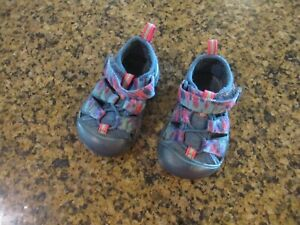 KEEN Newport H2 toddler 4 Sandals Athletic Blue camo Girl canvas closed toe
