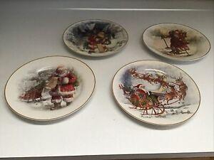 🎅 POTTERY BARN Nostalgic Santa/set Of 4 Dinner Plates SAMPLES