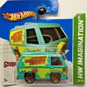 NEW Hot Wheels Mystery Machine Green Scooby Doo 2013 No 38 V5326 Short Card