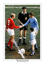 BOBBY CHARLTON TONY BOOK MANCHESTER UNITED MAN CITY DERBY 1969 A4 PRINT PHOTO