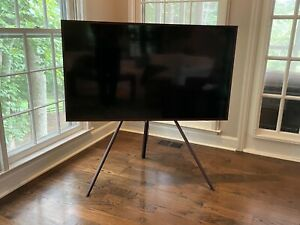 Samsung Studio Stand for QLED and The Frame TV (VG-STSM11B/ZA)