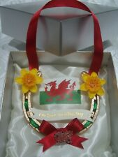 REAL LUCKY HORSESHOE LUXUARY GOLD SPARKLE WELSH FLAG  GOOD LUCK  WEDDING EXAMS