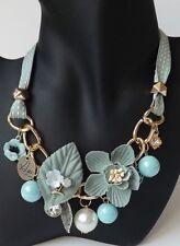 florale Kette Halskette Collier Blüten Perlen Anhänger Strass Textil grün blau