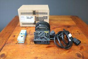 Lowel Pro Light Focusing Flood Light P2-10 Photography Studio Portable Lamp