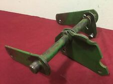 John Deere 110/112 Round Fender Rear Lift Shaft w/ Pivot Plate & Lift Links