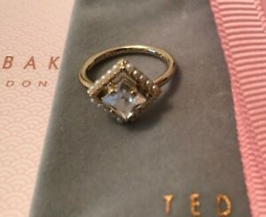 Ted Baker Paladia Pearl Framed Crystal Ring Pale Gold Tone UK Size Small/Medium