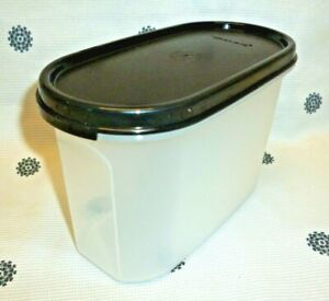 New Tupperware Modular Mates Oval #2 with Black Seal Pantry Storage 4.5 Cups