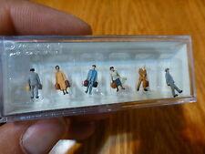 Preiser N #79143 Passengers -- Travelers w/Luggage