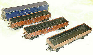 x3 Hornby Dublo 3 Rail Brick Wagons metal wheels VGC 00 Gauge OO wagon