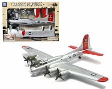 NEWRAY CLASSIC WWII BOMBERS TRANSPORTER PLANES MODEL KITS - B-17 FLYING FORTRESS