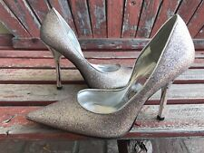 *bRiGHt SiLvER SPaRkLe NEW 7 Pointy Toe CARRIE Stiletto Heel PUMP GuESS HolidaY