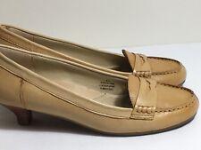 Eddie Bauer Women Tan Leather Slip On Penny Loafers Size 6 1/2 M Kitten Heel