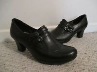 Earth Latitude Black Wingtip Shoes Size 9.5