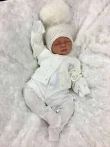 REBORN DOLL HEAVY BABY WHITE BOBBLE HAT OUTFIT MAGNETIC DUMMY S