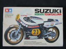 Suzuki RGB500 Team Gallina Racing Lucchinelli Motorcycle Tamiya Model Kit 1/12