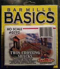 Bar Mills Basics HO Twin Crossing Shacks #0792