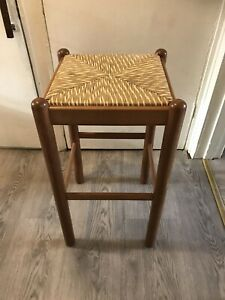 Amazing Vintage Italian Woven Breakfast Stool Bar Stool Chair Made Of Solid Wood