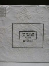 The Texture Collection New York White Embroidered Floral Duvet Set - Full/Queen
