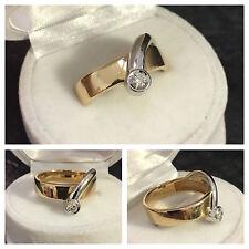 Moderner bicolor Brillantring 585 er Gelbgold Weißgold Ring Brillant 0,16 ct