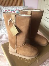 Brand New Pair Ewe Boots by Gumbies Size 3