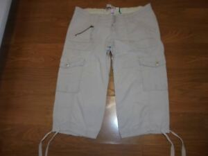 Old Navy Maternity beige real waist capris with tie sides size 1