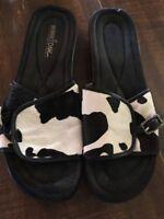 Minnetonka Moccasins Slides Women's 10 Calf Cow Hair Black and White