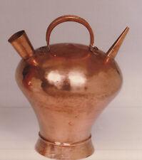 Cántaro cobre hecho a mano. Handmade copper pitcher